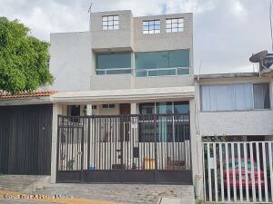 Casa En Rentaen Tlalnepantla De Baz, Bellavista Satelite, Mexico, MX RAH: 21-3801