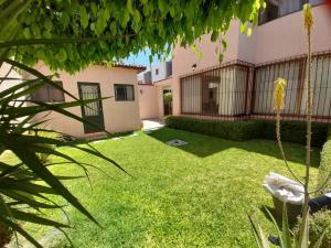 Casa En Ventaen Queretaro, Arboledas, Mexico, MX RAH: 21-3851