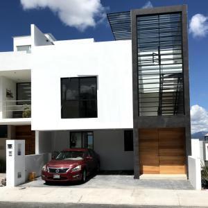 Casa En Ventaen El Marques, Zibata, Mexico, MX RAH: 21-3878