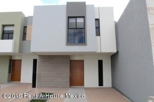 Casa En Rentaen El Marques, Zakia, Mexico, MX RAH: 21-3922