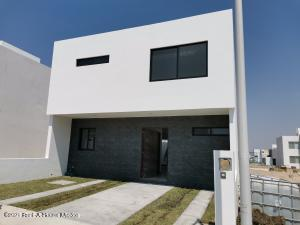Casa En Ventaen Queretaro, El Mirador, Mexico, MX RAH: 21-3940