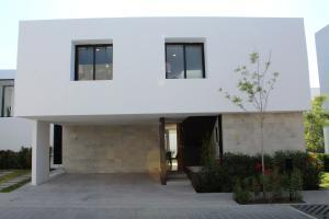 Casa En Ventaen Queretaro, Altos De Juriquilla, Mexico, MX RAH: 21-3942