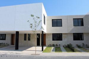 Casa En Ventaen Queretaro, Altos De Juriquilla, Mexico, MX RAH: 21-3945