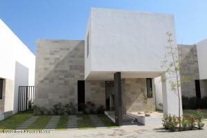 Casa En Ventaen Queretaro, Altos De Juriquilla, Mexico, MX RAH: 21-3946