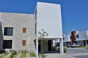 Casa En Ventaen Queretaro, Altos De Juriquilla, Mexico, MX RAH: 21-3947