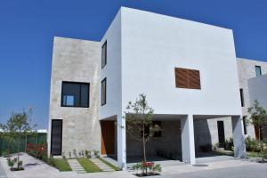 Casa En Ventaen Queretaro, Altos De Juriquilla, Mexico, MX RAH: 21-3950