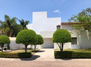 Casa En Rentaen Corregidora, Pueblo Nuevo, Mexico, MX RAH: 21-3974