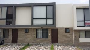 Casa En Rentaen Queretaro, El Refugio, Mexico, MX RAH: 21-4042