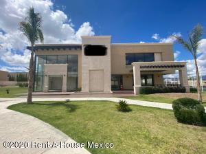 Casa En Ventaen Pachuca De Soto, Zona Plateada, Mexico, MX RAH: 21-4054