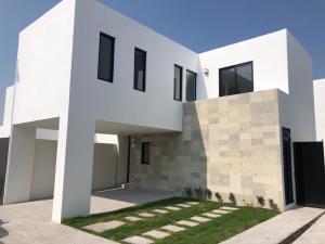 Casa En Rentaen Queretaro, Juriquilla, Mexico, MX RAH: 21-4057