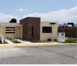 Casa En Ventaen Mineral De La Reforma, Pachuquilla, Mexico, MX RAH: 21-4071