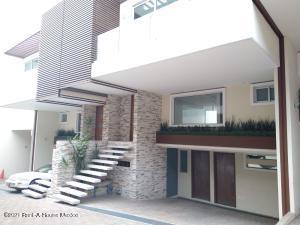 Casa En Ventaen Cuajimalpa, Lomas De Memetla, Mexico, MX RAH: 21-4121