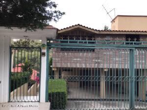 Casa En Ventaen Atizapan De Zaragoza, Club De Golf Chiluca, Mexico, MX RAH: 21-4147