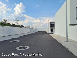 Terreno En Ventaen El Marques, Zibata, Mexico, MX RAH: 21-4160