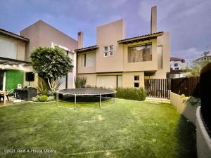 Casa En Rentaen Huixquilucan, Villa Florence, Mexico, MX RAH: 21-4161