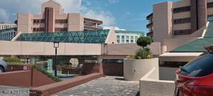 Departamento En Rentaen Huixquilucan, Lomas Country Club, Mexico, MX RAH: 21-4294