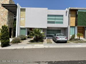 Casa En Rentaen Queretaro, El Mirador, Mexico, MX RAH: 21-4349