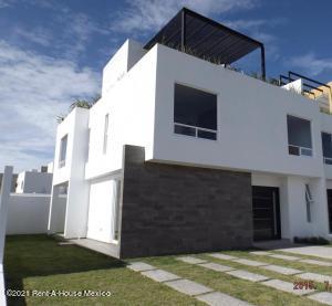 Casa En Ventaen Queretaro, La Vista, Mexico, MX RAH: 21-4498