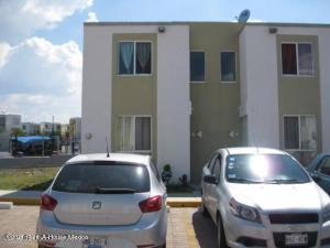 Casa En Rentaen El Marques, Paseos Del Maques, Mexico, MX RAH: 21-4540
