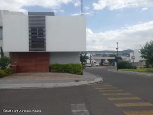 Casa En Ventaen Queretaro, El Mirador, Mexico, MX RAH: 21-4615