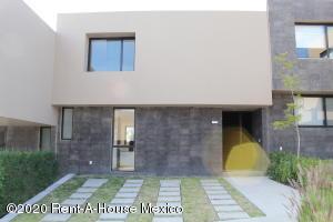 Casa En Rentaen Queretaro, Lomas De Juriquilla, Mexico, MX RAH: 21-4616