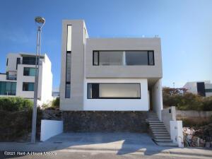 Casa En Rentaen El Marques, Zibata, Mexico, MX RAH: 21-4633