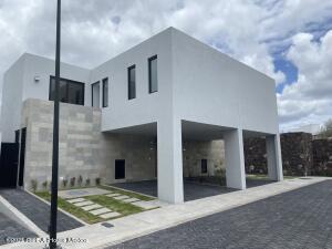 Casa En Rentaen El Marques, Zibata, Mexico, MX RAH: 21-4634