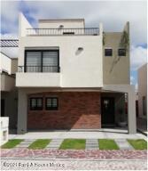 Casa En Ventaen San Miguel Allende, Zirandaro, Mexico, MX RAH: 21-4637