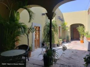 Casa En Rentaen Queretaro, Centro, Mexico, MX RAH: 21-4641
