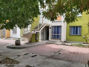 Departamento En Rentaen El Marques, La Pradera, Mexico, MX RAH: 21-4656