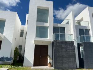 Casa En Rentaen Queretaro, El Refugio, Mexico, MX RAH: 21-4666