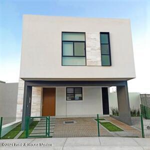 Casa En Ventaen El Marques, Zibata, Mexico, MX RAH: 21-4619