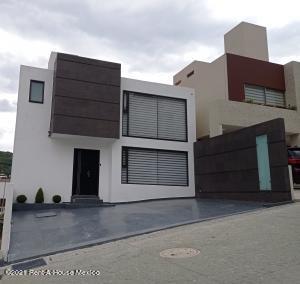 Casa En Ventaen Atizapan De Zaragoza, Bellavista, Mexico, MX RAH: 21-4698