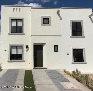 Casa En Rentaen El Marques, Zakia, Mexico, MX RAH: 21-4766