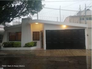 Casa En Rentaen Queretaro, Mansiones Del Valle, Mexico, MX RAH: 21-4767