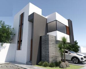 Casa En Ventaen El Marques, Zibata, Mexico, MX RAH: 21-4784