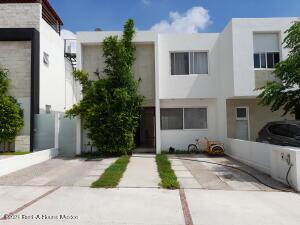 Casa En Ventaen Corregidora, Canadas Del Arroyo, Mexico, MX RAH: 21-4821