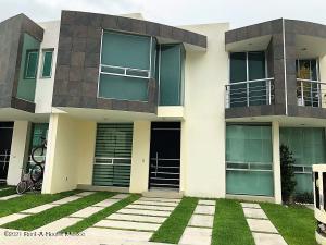 Casa En Rentaen Queretaro, Valle De Juriquilla, Mexico, MX RAH: 21-4843