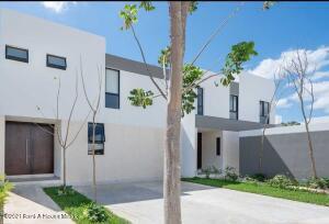 Casa En Ventaen Merida, Cholul, Mexico, MX RAH: 21-4842