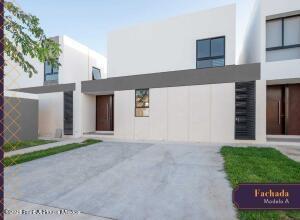 Casa En Ventaen Merida, Cholul, Mexico, MX RAH: 21-4845
