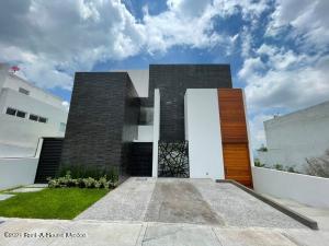 Casa En Ventaen El Marques, Zibata, Mexico, MX RAH: 21-4950
