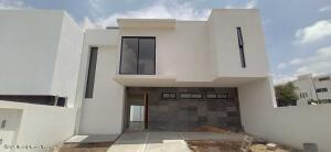 Casa En Ventaen Queretaro, Lomas De Juriquilla, Mexico, MX RAH: 21-4955