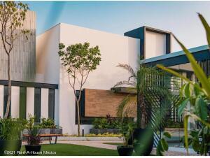 Casa En Ventaen Conkal, Conkal, Mexico, MX RAH: 21-4956