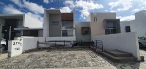 Casa En Ventaen Queretaro, Cumbres Del Lago, Mexico, MX RAH: 21-4989