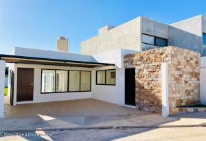 Casa En Ventaen Merida, Chichi Suarez, Mexico, MX RAH: 21-4996