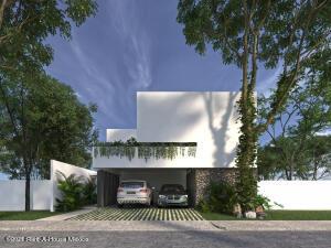 Casa En Ventaen Merida, Cholul, Mexico, MX RAH: 21-4997