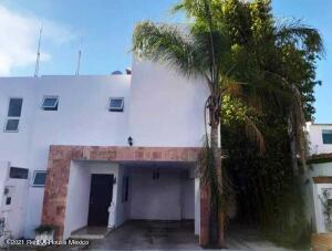 Casa En Ventaen Queretaro, Santa Fe De Juriquilla, Mexico, MX RAH: 21-5041