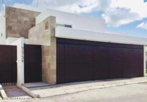 Casa En Ventaen Queretaro, Juriquilla Privada, Mexico, MX RAH: 21-5044