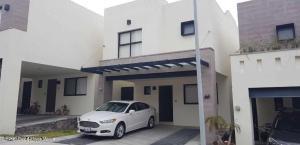 Casa En Rentaen El Marques, Zibata, Mexico, MX RAH: 21-5075