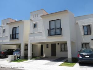 Casa En Rentaen El Marques, Zakia, Mexico, MX RAH: 21-5102